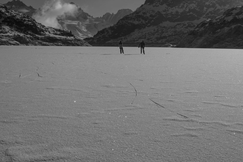 giulia monego, john minogue , emosson dam, ice skating