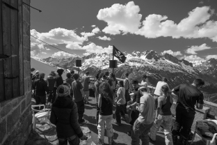 answer code request, unlimited festival, black crows , chamonix, aiguille du midi, marcel dettman
